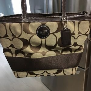 Coach classic brown C tote bag